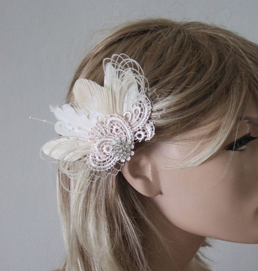 "Cream White Peacock Feathers and Guipure Lace + Veil Bridal Wedding Fascinator Hair Clip ""Zia"""